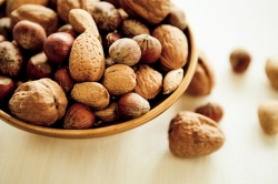 peanuts_tree-nuts-actually-decrease-child-allergy-risk-in-pregnancy-2