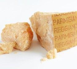 ParmigianoReggianoLandscape-Lres-1000x899